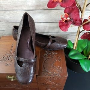 BORN Brown Leather Kitten Heel Shoes